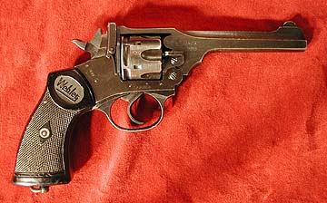 Webley Mark IV, right side
